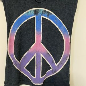 National Geographic Tops - National Geographic peace vneck